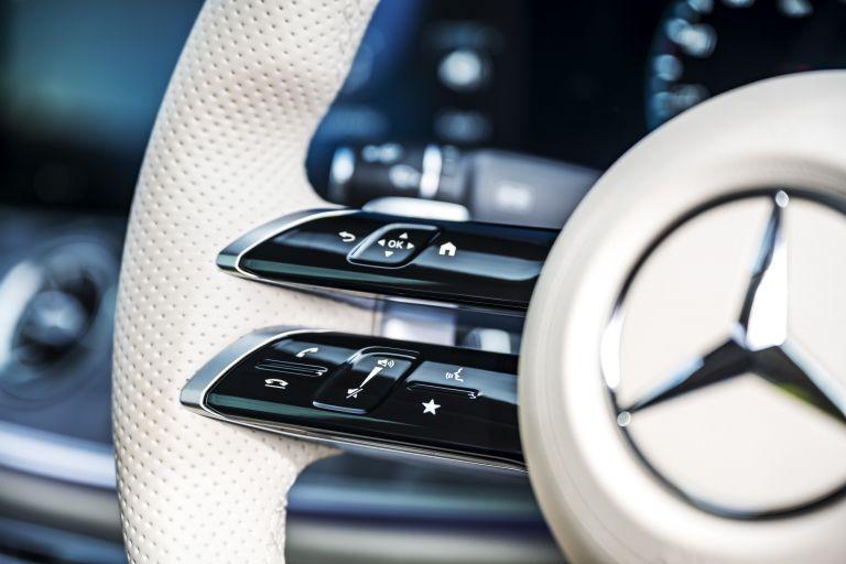 2021 Mercedes-Benz E 220 d coupé - UK version 631809