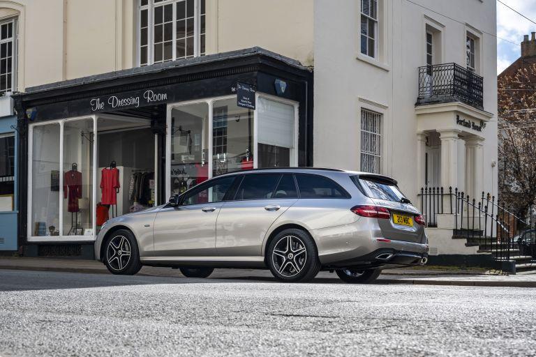 2021 Mercedes-Benz E 300 de Estate - UK version 632190