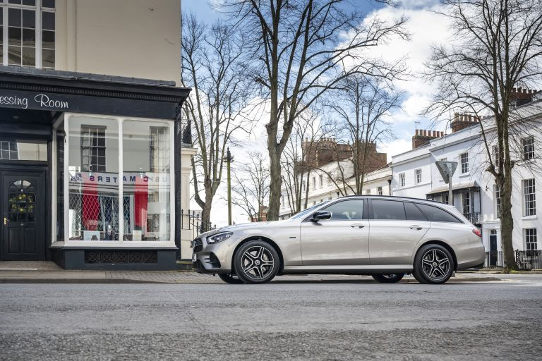 2021 Mercedes-Benz E 300 de Estate - UK version 632191