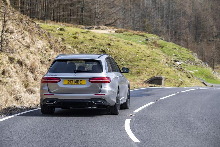 2021 Mercedes-Benz E 300 de Estate - UK version 632203