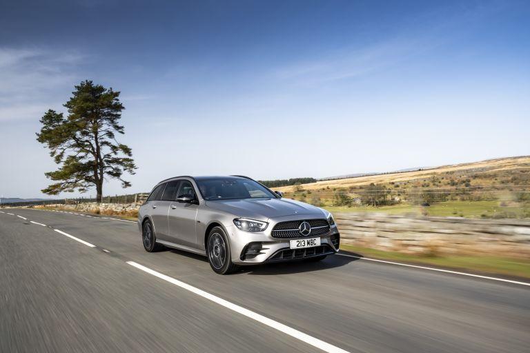2021 Mercedes-Benz E 300 de Estate - UK version 632206