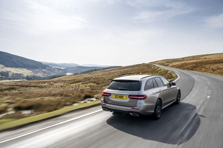 2021 Mercedes-Benz E 300 de Estate - UK version 632217