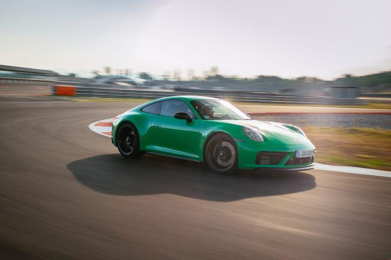 2022 Porsche 911 ( 992 ) Carrera GTS 642630