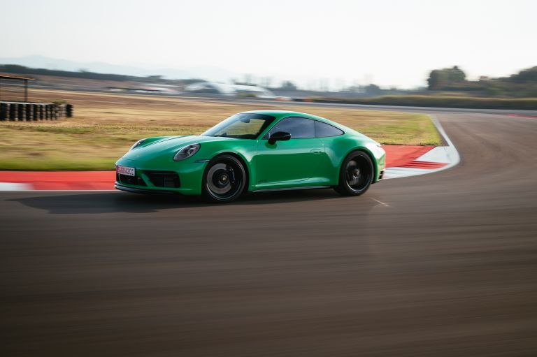 2022 Porsche 911 ( 992 ) Carrera GTS 642640