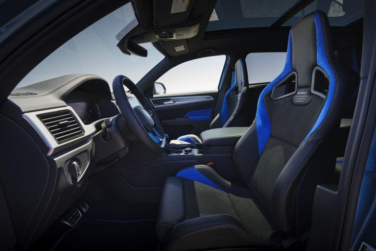 2021 Volkswagen Atlas Cross Sport GT Concept 638749