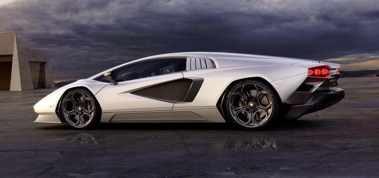 2022 Lamborghini Countach LPI 800-4 639776