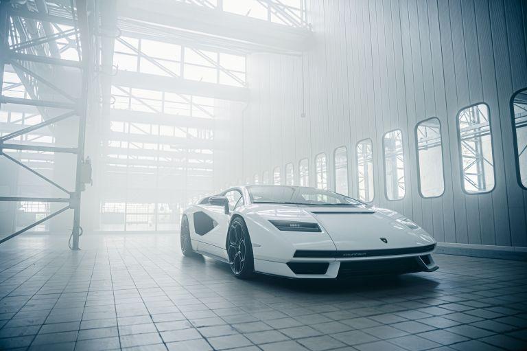 2022 Lamborghini Countach LPI 800-4 639800