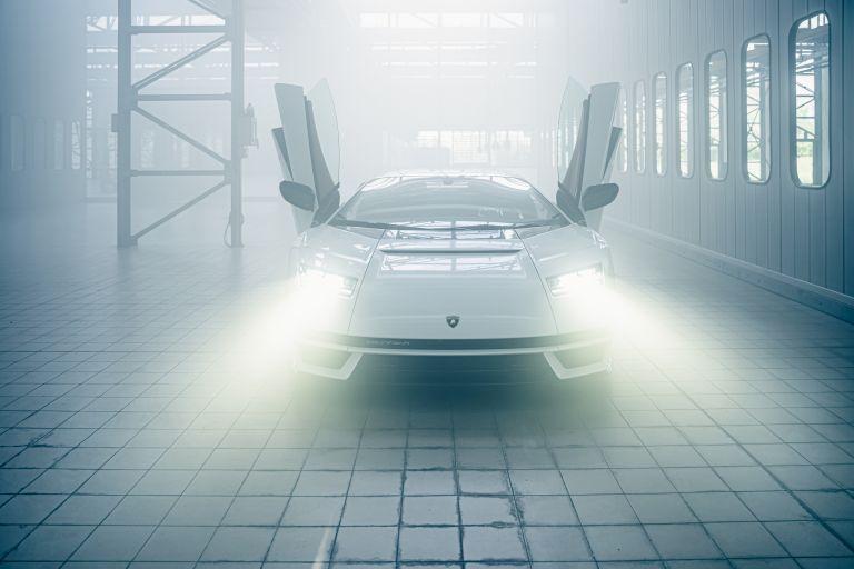 2022 Lamborghini Countach LPI 800-4 639802
