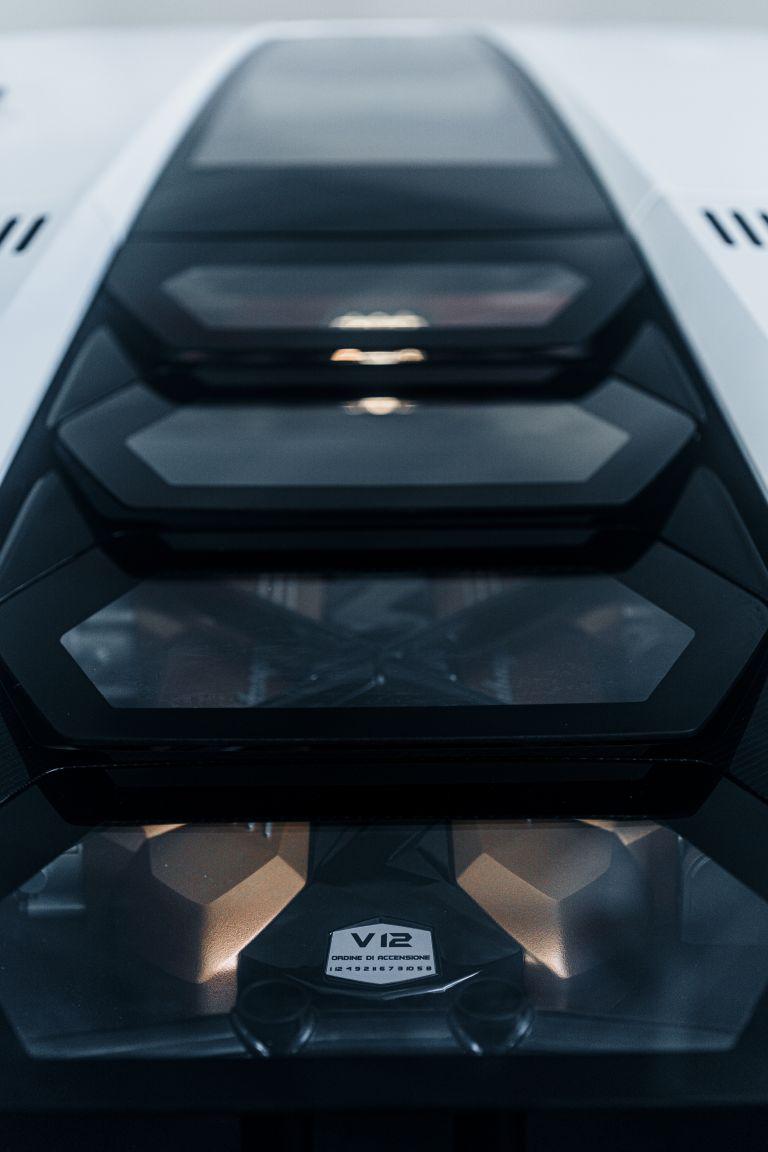 2022 Lamborghini Countach LPI 800-4 639825