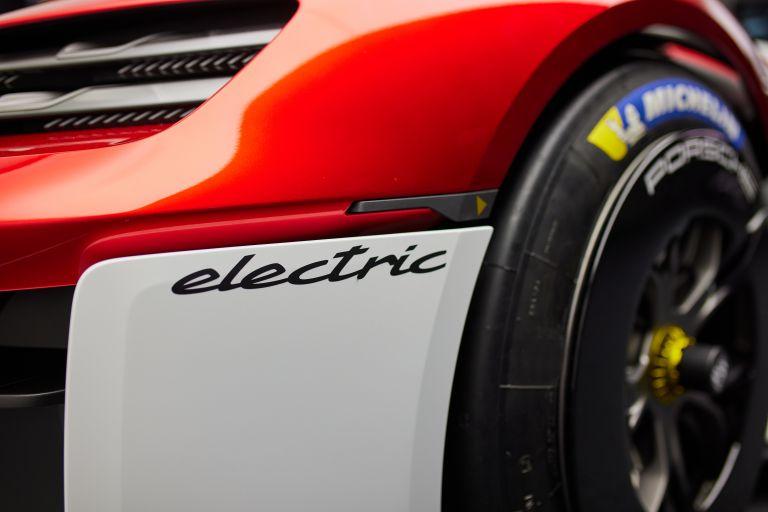 2021 Porsche Mission R concept 642520