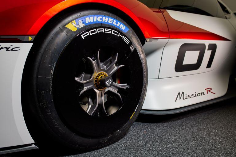 2021 Porsche Mission R concept 642522
