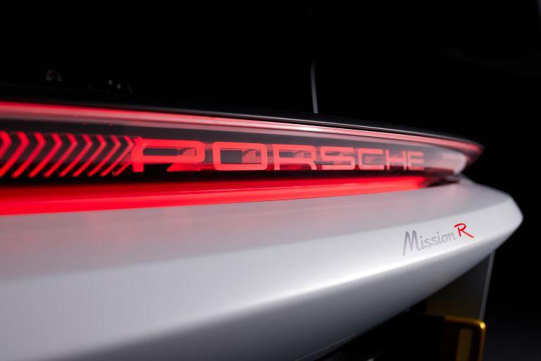 2021 Porsche Mission R concept 642526