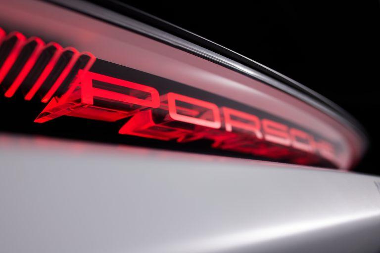 2021 Porsche Mission R concept 642527