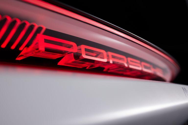 2021 Porsche Mission R concept 642528