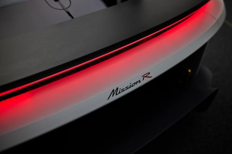 2021 Porsche Mission R concept 642530