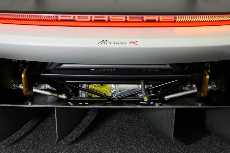 2021 Porsche Mission R concept 642552