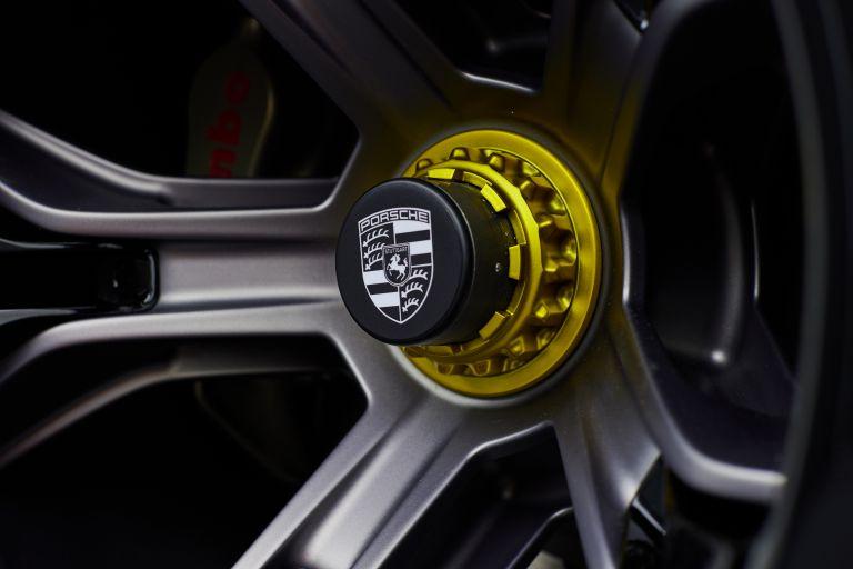 2021 Porsche Mission R concept 642558