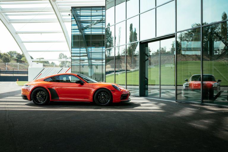 2022 Porsche 911 ( 992 ) Carrera 4 GTS 642715
