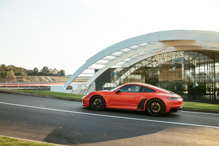 2022 Porsche 911 ( 992 ) Carrera 4 GTS 642721