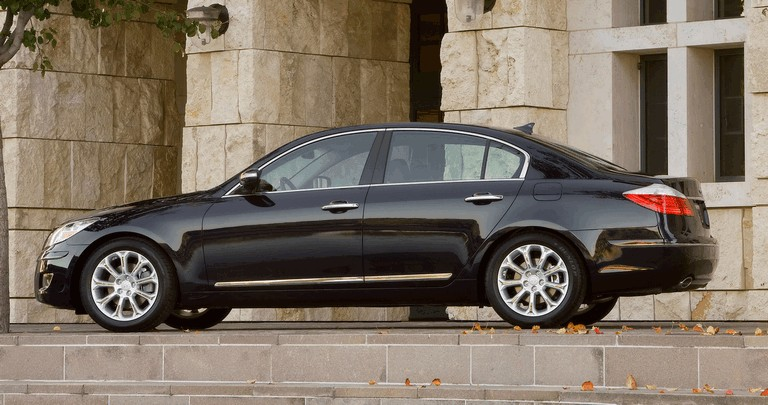 2009 Hyundai Genesis sedan 500307