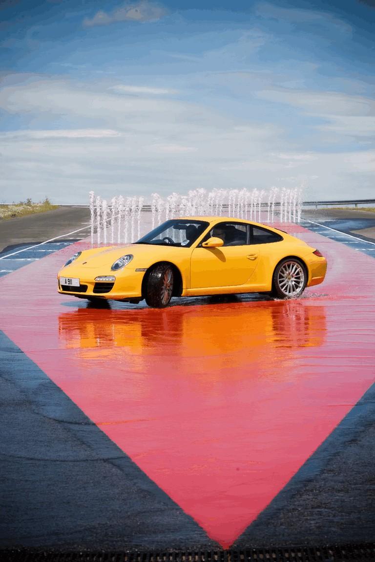 2009 Porsche driving experience centre at Silverstone 500771