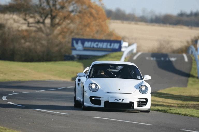 2009 Porsche driving experience centre at Silverstone 500779