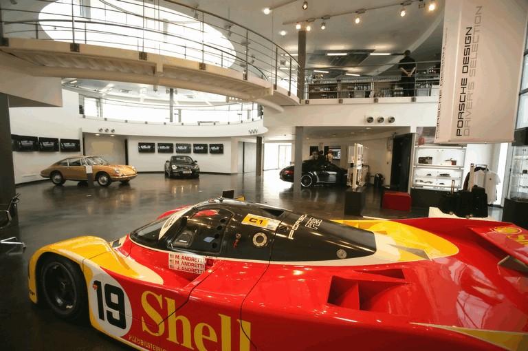 2009 Porsche driving experience centre at Silverstone 500780