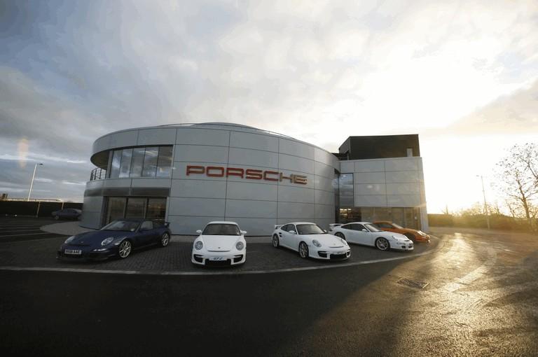 2009 Porsche driving experience centre at Silverstone 500785
