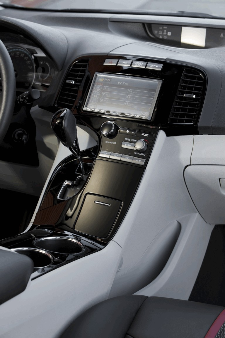 2009 Toyota Venza SportLux ( SEMA 2008 ) 250376