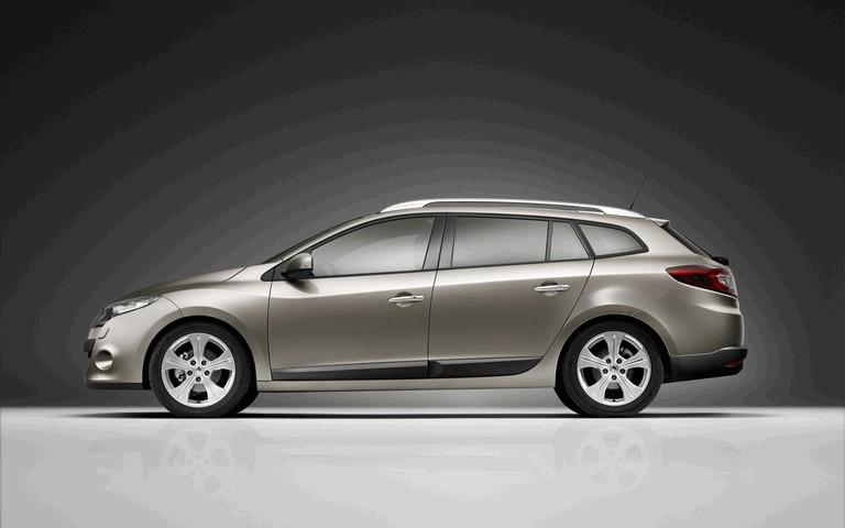 2010 Renault Laguna Estate 254380
