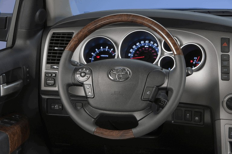 2010 Toyota Tundra CrewMax - Platinum package 257403
