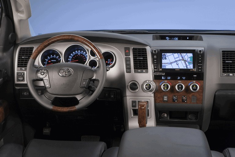 2010 Toyota Tundra CrewMax - Platinum package 257404