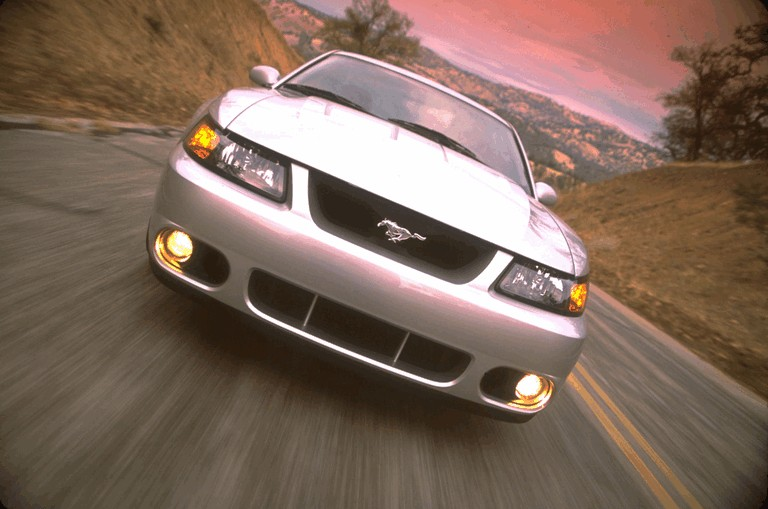 2003 Ford SVT Cobra 484012