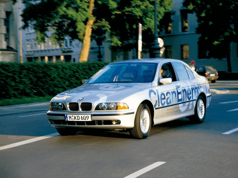 1999 BMW 523g ( E39 ) Clean Energy concept 260185