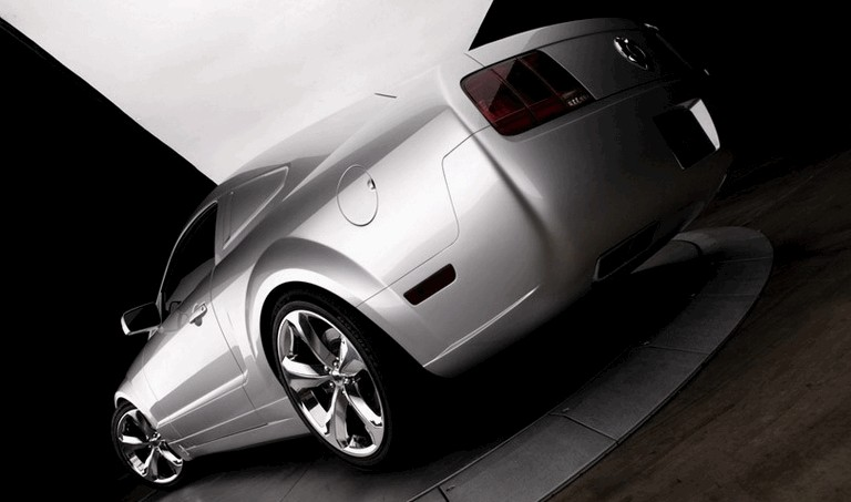 2009 Ford Mustang - 45th anniversary - silver edition for Lee Iacocca 261214