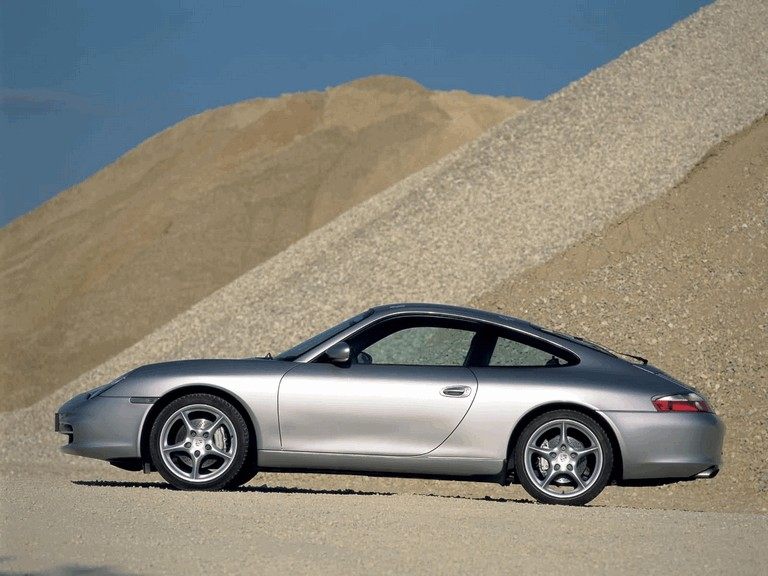 2003 Porsche 911 Carrera 4 200497