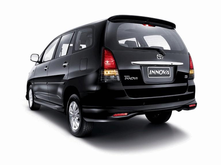 2009 Toyota Innova V 265593