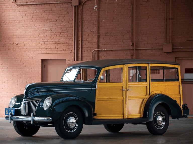1939 Ford Deluxe Station Wagon 269015