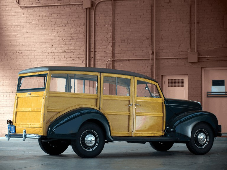 1939 Ford Deluxe Station Wagon 269016