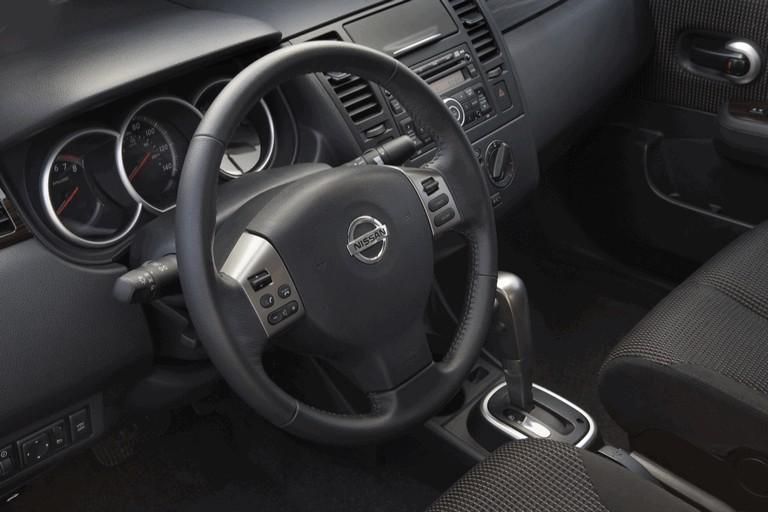 2010 Nissan Versa sedan 270236