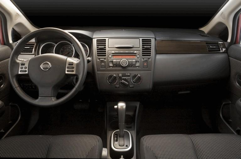 2010 Nissan Versa sedan 270238