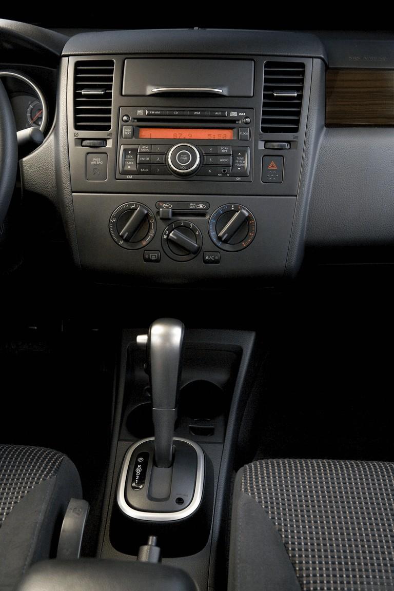 2010 Nissan Versa sedan 270240