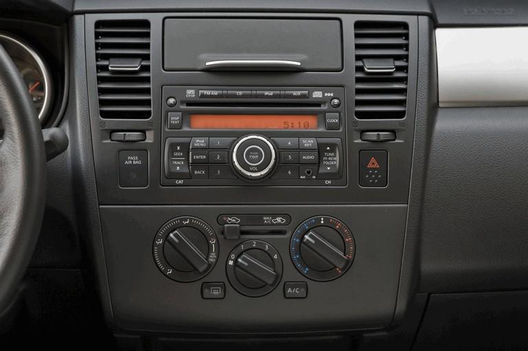 2010 Nissan Versa sedan 270241