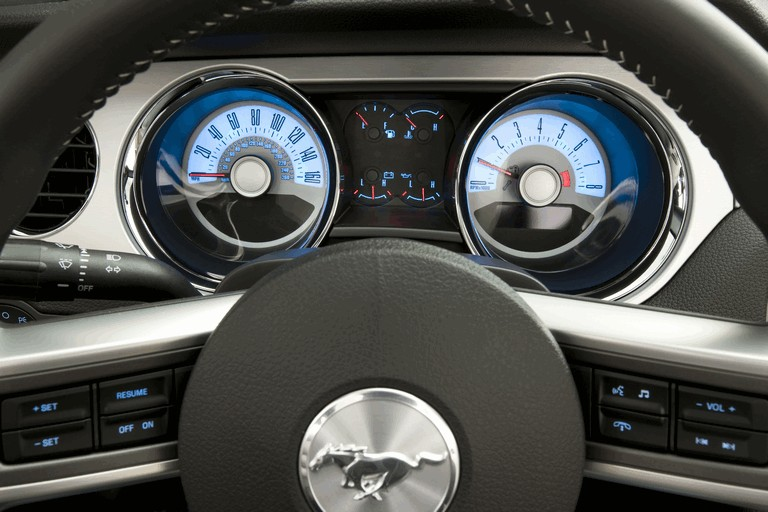 2010 Ford Mustang V6 271240