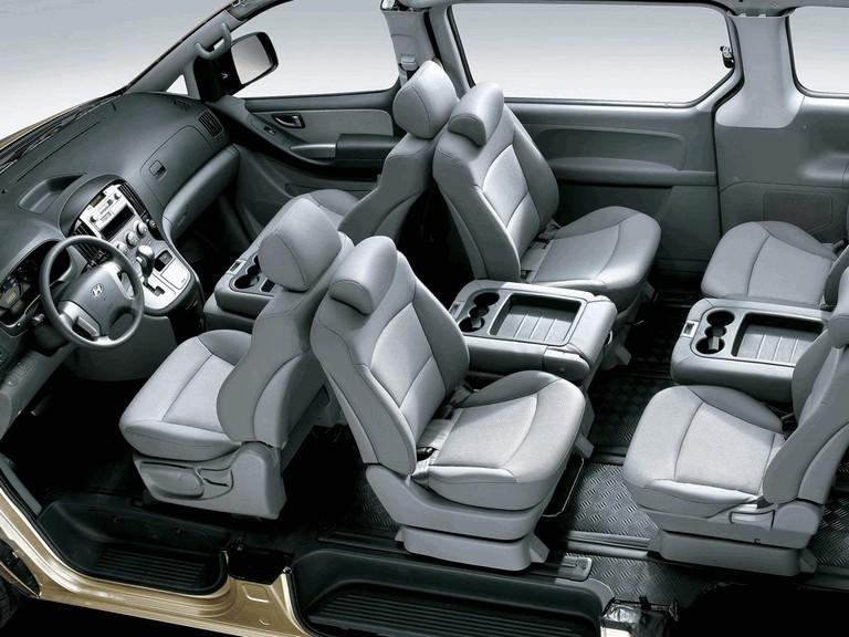 2007 Hyundai Grand Starex 271394