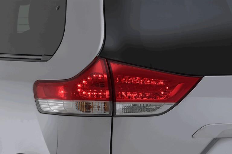 2010 Toyota Sienna XLE 271586
