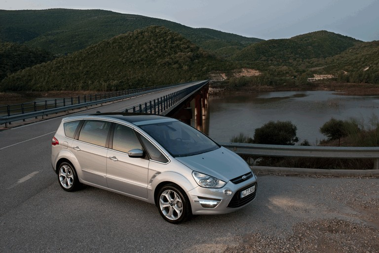 2010 Ford S-Max 272105