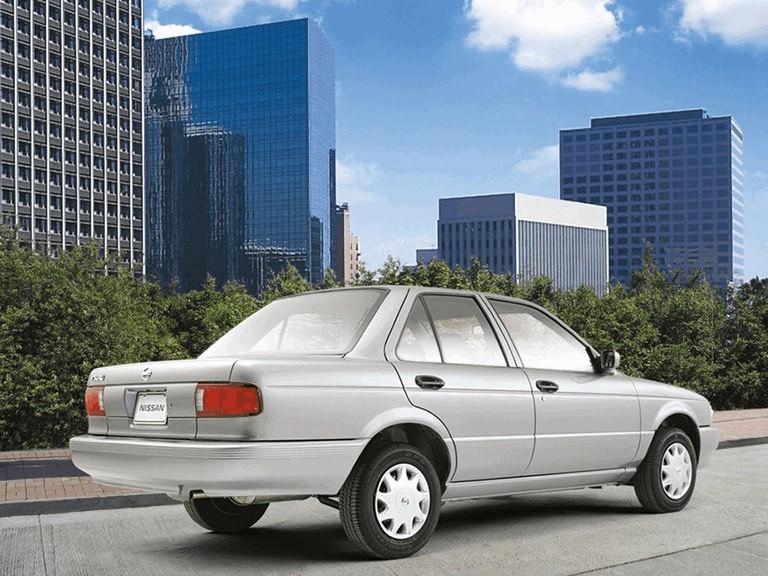 2004 Nissan Tsuru 272960