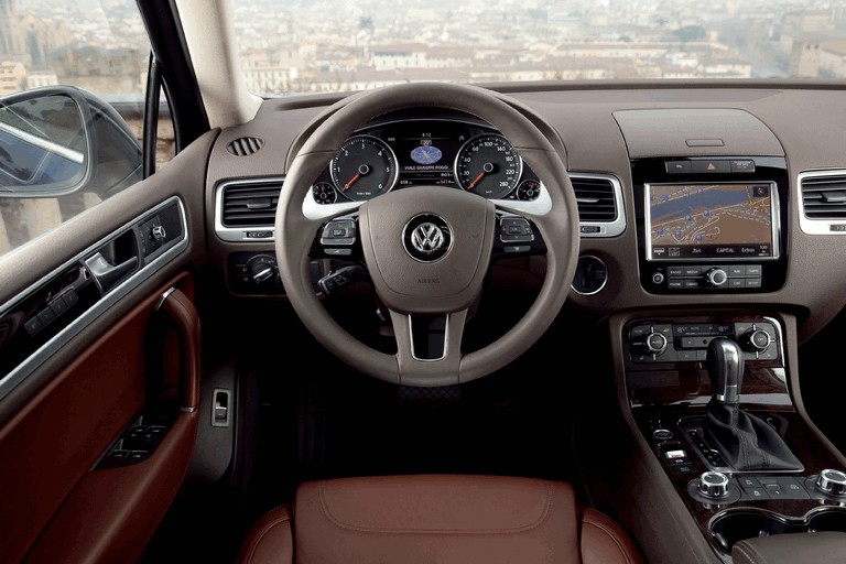 2010 Volkswagen Touareg 275073