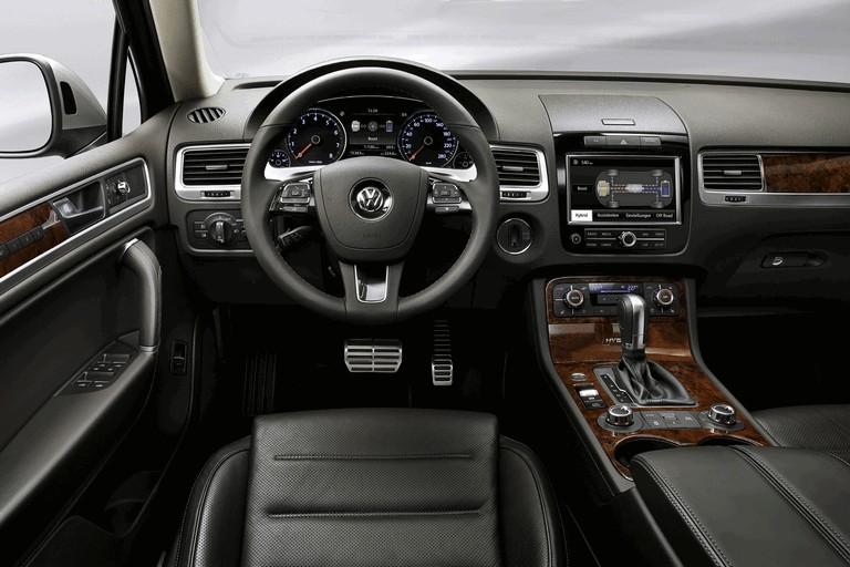 2010 Volkswagen Touareg 275086